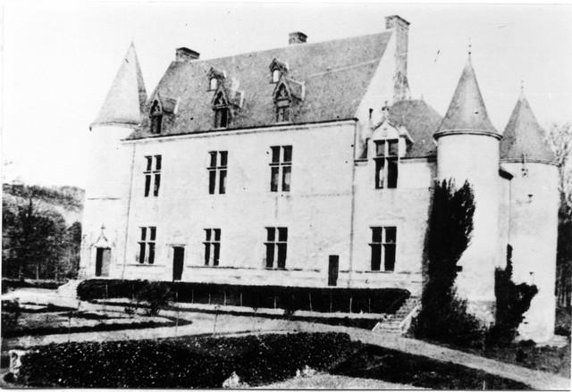 Le chateau de courville ... 89b829f4f2a